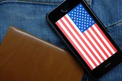 NOWOSIBIRSK, RUSSLAND - 13. DEZEMBER 2016: Die Flagge von Amerika im iphone Apple Stockfotos