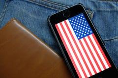 NOWOSIBIRSK, RUSSLAND - 13. DEZEMBER 2016: Die Flagge von Amerika im iphone Apple Lizenzfreie Stockbilder