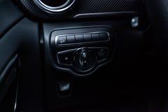 Nowosibirsk, Russland - 4. Dezember 2018: Mercedes-Benz v-klasse lizenzfreies stockbild