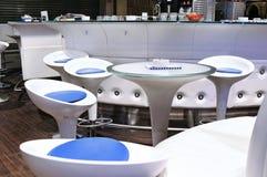 Nowożytna Biała kawiarnia Fotografia Stock