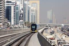 Nowożytny tramwaj w Dubaj Marina Obrazy Stock