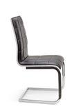 Nowy czarny rzemienny biurowy krzesło zdjęcie stock
