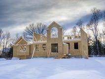 Nowy dom budowa w zimie Fotografia Stock