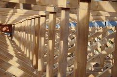 Nowy dom obecnie drewniany i w budowie rof Zdjęcia Royalty Free
