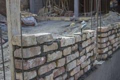 Nowy fundacyjny ściana z cegieł, budynku i budowy pojęcie, Obrazy Stock