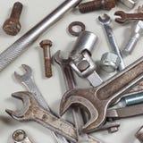 Nowy i ośniedziały metalu narzędzie dla naprawiać maszyny zbliżenie Zdjęcia Royalty Free