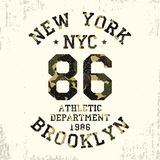 Nowy Jork, Brooklyn - kamuflażu grunge typografia dla projekta odziewa, sportowa koszulka Grafika dla numerowej odzieży wektor Obrazy Royalty Free