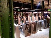 Nowy Jork: Grudzień 10, 2018 MTA 33rd ulicy 6 dworzec w Manhattan, Nowy Jork, NY usa zdjęcie stock