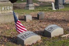 Nowy Jork, Nowy Jan 06 2019: Widok grób i rzeźby w drewno cmentarzu w Brooklyn, Nowy Jork zdjęcie stock