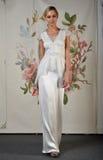 NOWY JORK, KWIECIEŃ - 22: Modela pozy dla Claire Pettibone bridal prezentaci Obrazy Stock