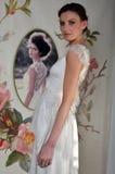 NOWY JORK, KWIECIEŃ - 22: Modela pozy dla Claire Pettibone bridal prezentaci Zdjęcia Stock