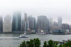 Nowy Jork NY, usa,/- JUN 01 2018: Lower Manhattan linia horyzontu na f Obrazy Stock