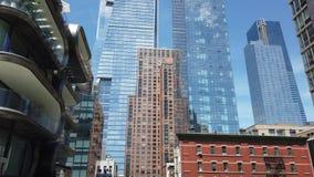 Nowy Jork, NY, usa Widoki i krajobrazy wokoło Wysokiej linii nowi drapacz chmur Sławny punkt zwrotny i jawny park zbiory wideo