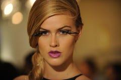 NOWY JORK, NY - WRZESIEŃ 04: Model uczęszcza Pamela Gonzales prezentację Obrazy Royalty Free