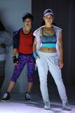 NOWY JORK, NY - WRZESIEŃ 03: Modele chodzą pas startowego podczas Athleta pasa startowego przedstawienia Obrazy Royalty Free