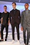 NOWY JORK, NY - WRZESIEŃ 03: Modele pozują przy Bespoken prezentacją Obrazy Stock