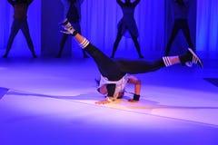 NOWY JORK, NY - WRZESIEŃ 03: Modele wykonują podczas Athleta pasa startowego przedstawienia Fotografia Stock