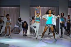 NOWY JORK, NY - WRZESIEŃ 03: Modele wykonują podczas Athleta pasa startowego przedstawienia Obraz Stock
