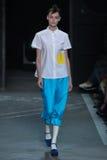NOWY JORK, NY - WRZESIEŃ 09: Wzorcowy Kremi Otashliyska chodzi pas startowego przy Marc Marc Jacobs pokazem mody Zdjęcia Stock