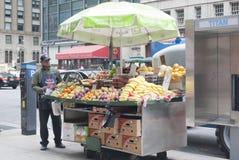 Nowy Jork Owocowy stojak Zdjęcia Royalty Free