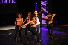 NOWY JORK, SIERPIEŃ - 08: Występy przy Top Model Latina 2014 Zdjęcia Royalty Free
