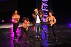 NOWY JORK, SIERPIEŃ - 08: Występy przy Top Model Latina 2014 Zdjęcie Stock
