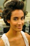 NOWY JORK, SIERPIEŃ - 08: Wzorcowy dostaje przygotowywający zakulisowy przy Top Model Latina 2014 Obraz Stock