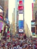 Nowy Jork, usa - Lipiec 27, 2016 times square tłoczący się Zdjęcia Stock