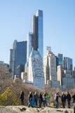 NOWY JORK, USA - LISTOPAD 23: Turyści docenia widok Ma fotografia stock