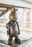 NOWY JORK, USA - LISTOPAD 24: Życie podziemna brązowa rzeźba wewnątrz Obrazy Royalty Free