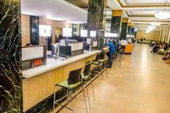NOWY JORK, usa - MAJ 05, 2017: Widok from inside w małżeństwa biura ` s jawnym recepcyjnym korytarzu przy miasto urzędnika ` s Fotografia Royalty Free