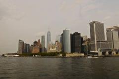 NOWY JORK, usa - Sierpień 31, 2018: Miasto Nowy Jork linia horyzontu z widokiem Pieniężny okręg w niskim Manhattan obraz royalty free