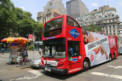 Nowy Jork Zwiedzający chmiel na chmielu z autobusu w Manhattan Zdjęcie Royalty Free