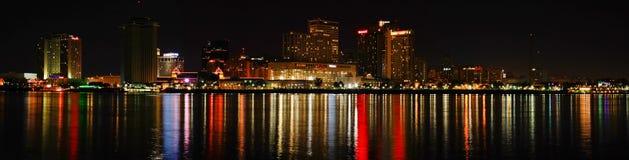 Nowy Orlean - przy Noc Kolorowa Linia horyzontu Zdjęcia Stock