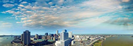 Nowy Orlean przy półmrokiem od powietrza obraz stock