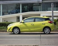 Nowy prywatnego samochodu Toyota Yaris Hatchback Eco samochód Obraz Stock