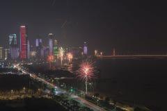 Nowy Rok świętowania z fajerwerkami i papierowymi lampionami w Nanchang kapitał Jianxi prowincja, Chiny Zdjęcia Royalty Free
