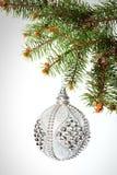 nowy rok, Boże Narodzenia Pięknych Round srebra bożych narodzeń zabawkarski hangin Obraz Royalty Free