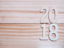 2018 nowy rok drewniana liczba na drewnianym tle Obrazy Royalty Free
