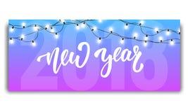 Nowy rok 2018 Karciany szablon z rozjarzonymi girlandami i ręką pisze list nowego roku Nowy rok 2018 Obraz Royalty Free