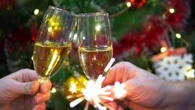 Nowy rok kolacja gala z kieliszkami szampana zbiory wideo