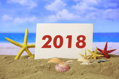 Nowy rok 2018 - lato piaskowata plaża Zdjęcie Royalty Free