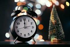 Nowy Rok północy retro zegarowa twarz obrazy stock