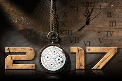 2017 nowy rok - stary Łamający Kieszeniowy zegarek Fotografia Royalty Free
