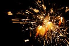 Nowy Rok wigilii sparkler na ciemnym tle Fotografia Royalty Free