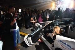 Nowy samochód jako nagroda dla loteryjnego zwycięzcy podczas Viktor Drobysh roku urodziny 50th koncerta przy Barclay centrum Fotografia Royalty Free