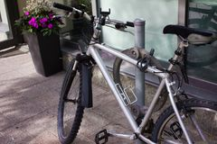 Nowy Srebny rower w Toronto zdjęcia stock