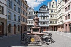 Nowy Stary Grodzki Stoltze pomnik na Huehnermarkt, Frankfurt, Ge Obraz Stock