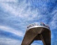 Nowy strzelisty most w Moskwa w parkowym ładunku zdjęcie royalty free