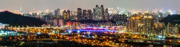 Nowy Taipei miasta nocy linia horyzontu Tajwan obrazy royalty free